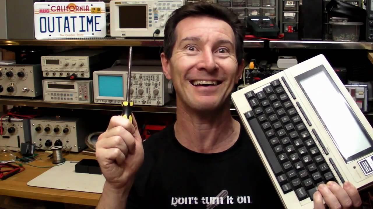 EEVblog #116 – Retro Notebook Teardown – Tandy Model 100