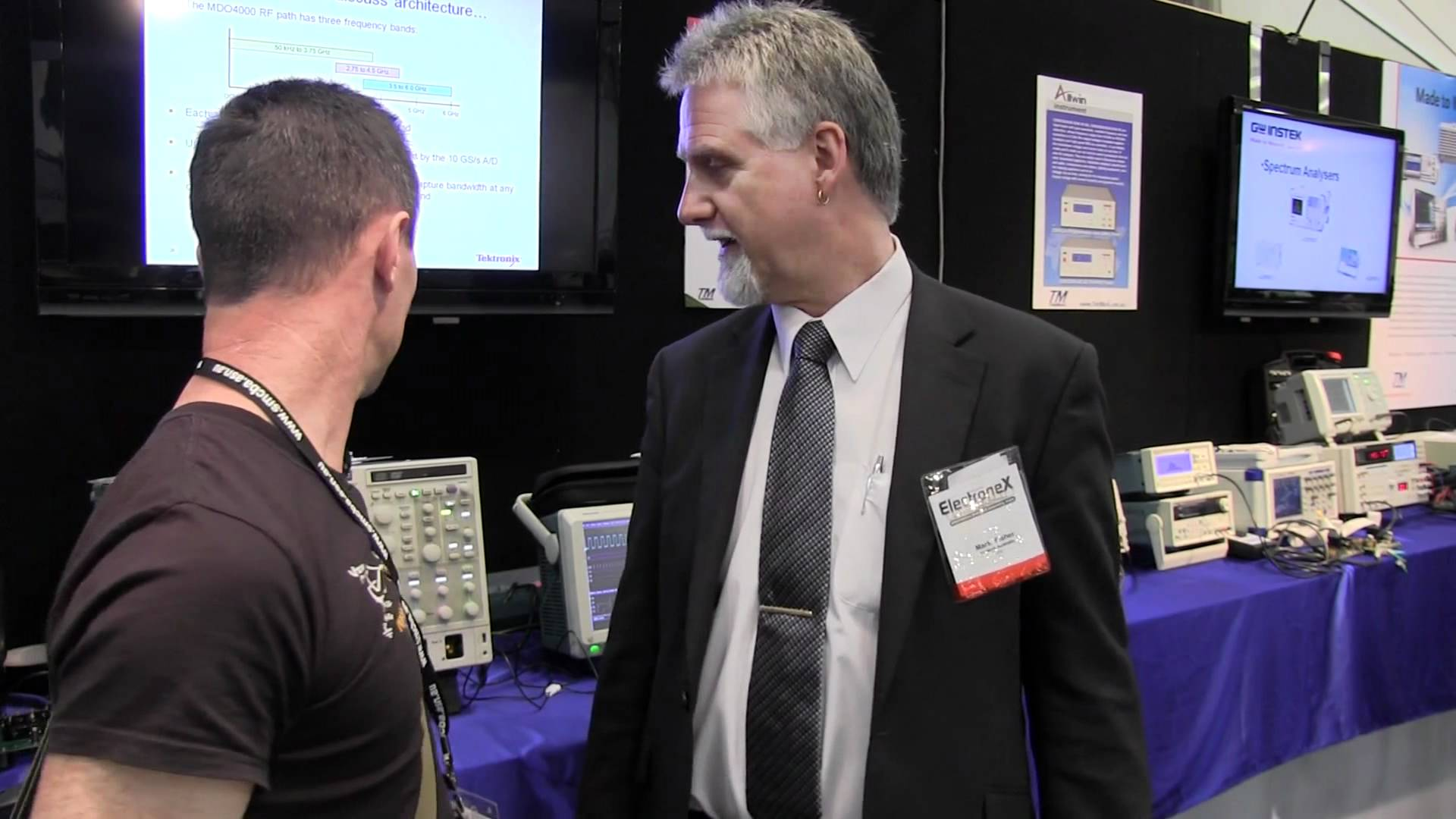 EEVblog #207 – Electronex Expo 2011 (1 of 3)