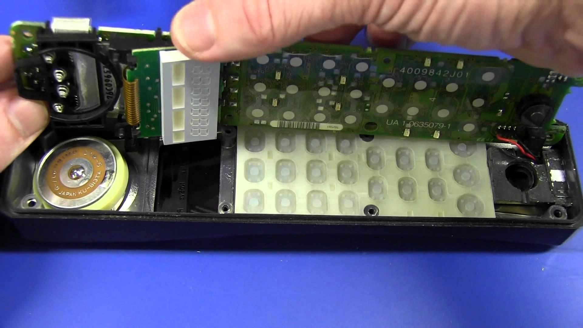 EEVblog #243 – Vintage Brick Mobile Phone Teardown