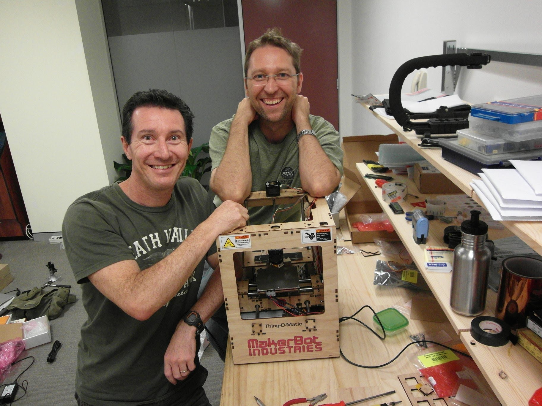 EEVblog #246 – Makerbot Thing-O-Matic Time Lapse Build