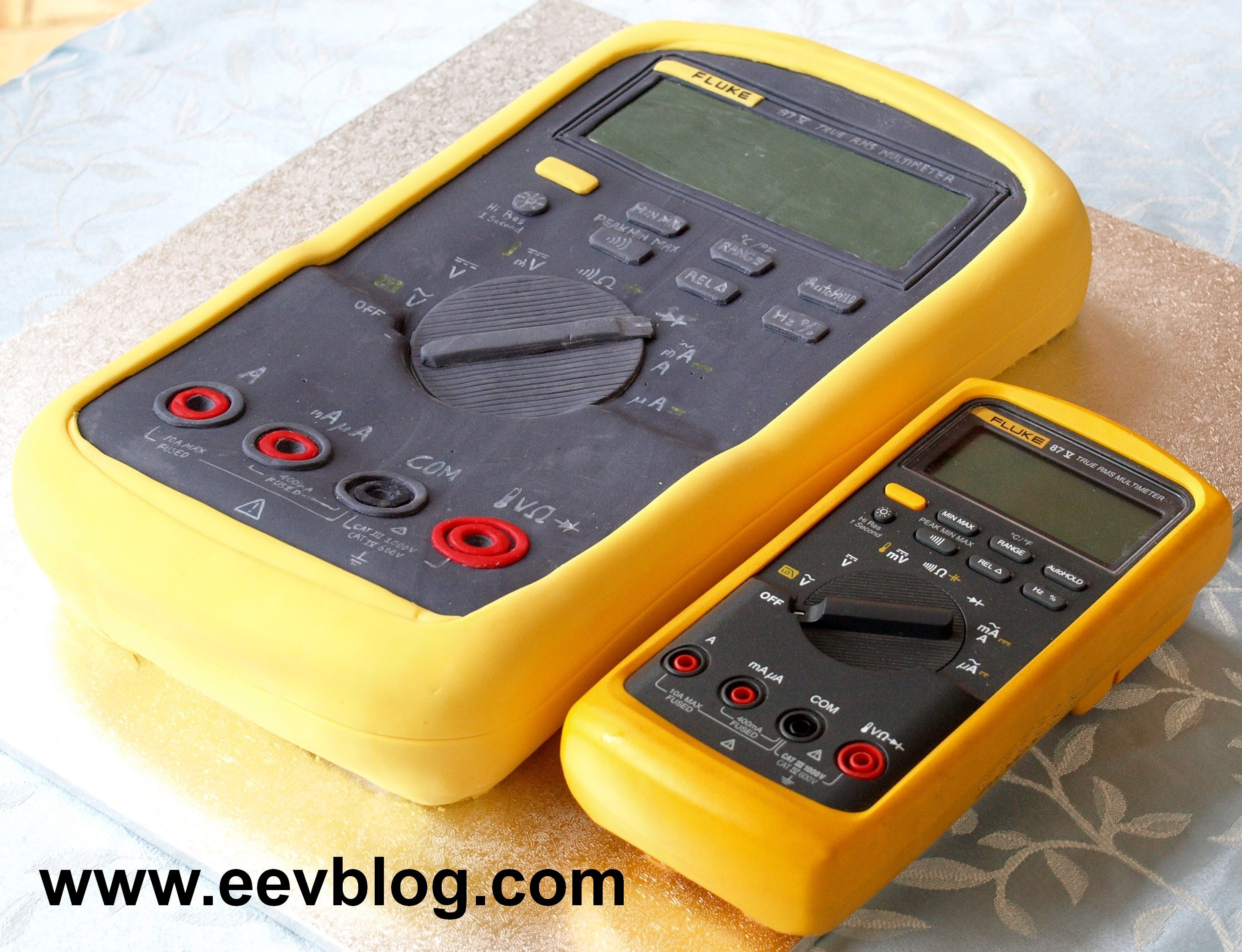 EEVblog #293 – Fluke Multimeter Birthday Cake