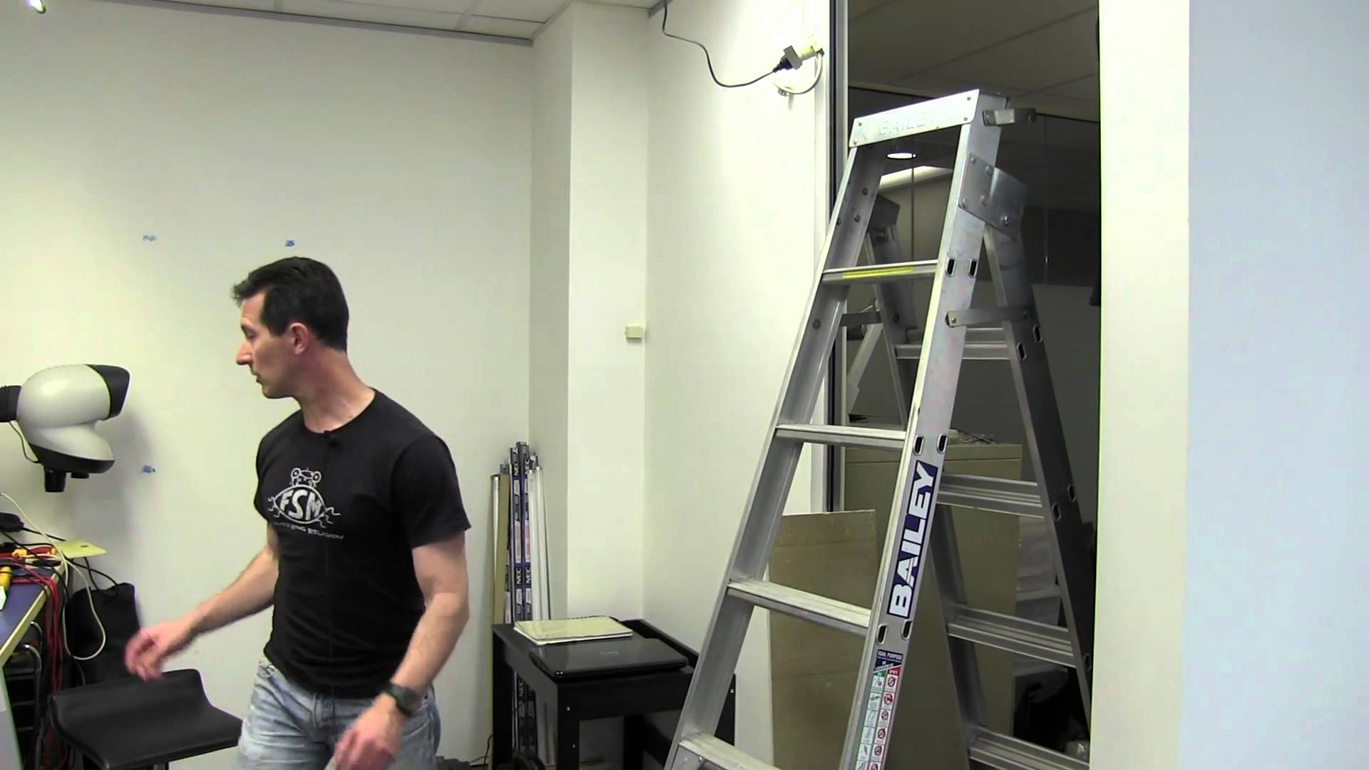 EEVblog #364 – LED Ceiling Panel Lighting Install