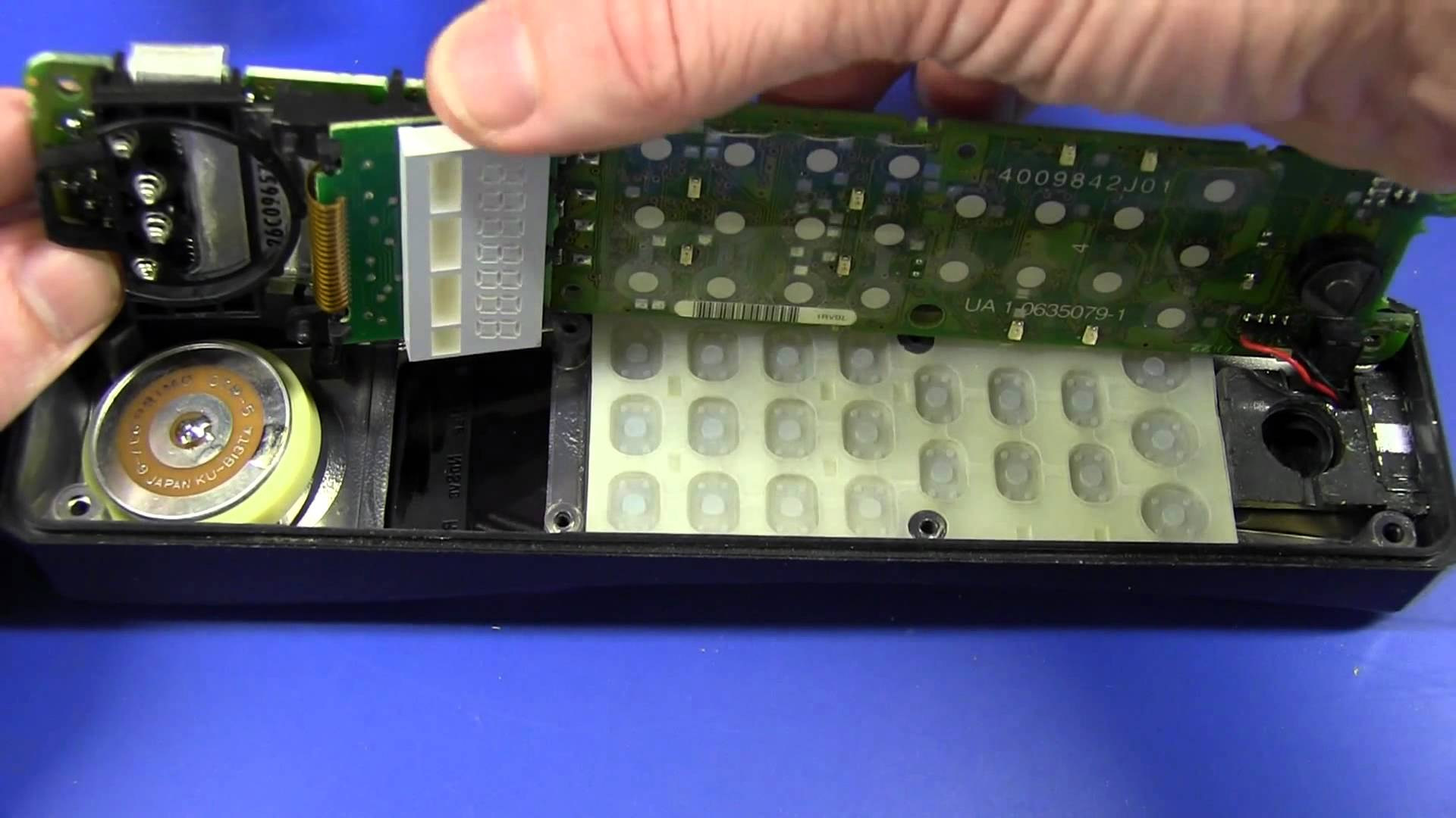 EEVBlog #492 – Vintage Motorola MicroTAC Mobile Phone Teardown