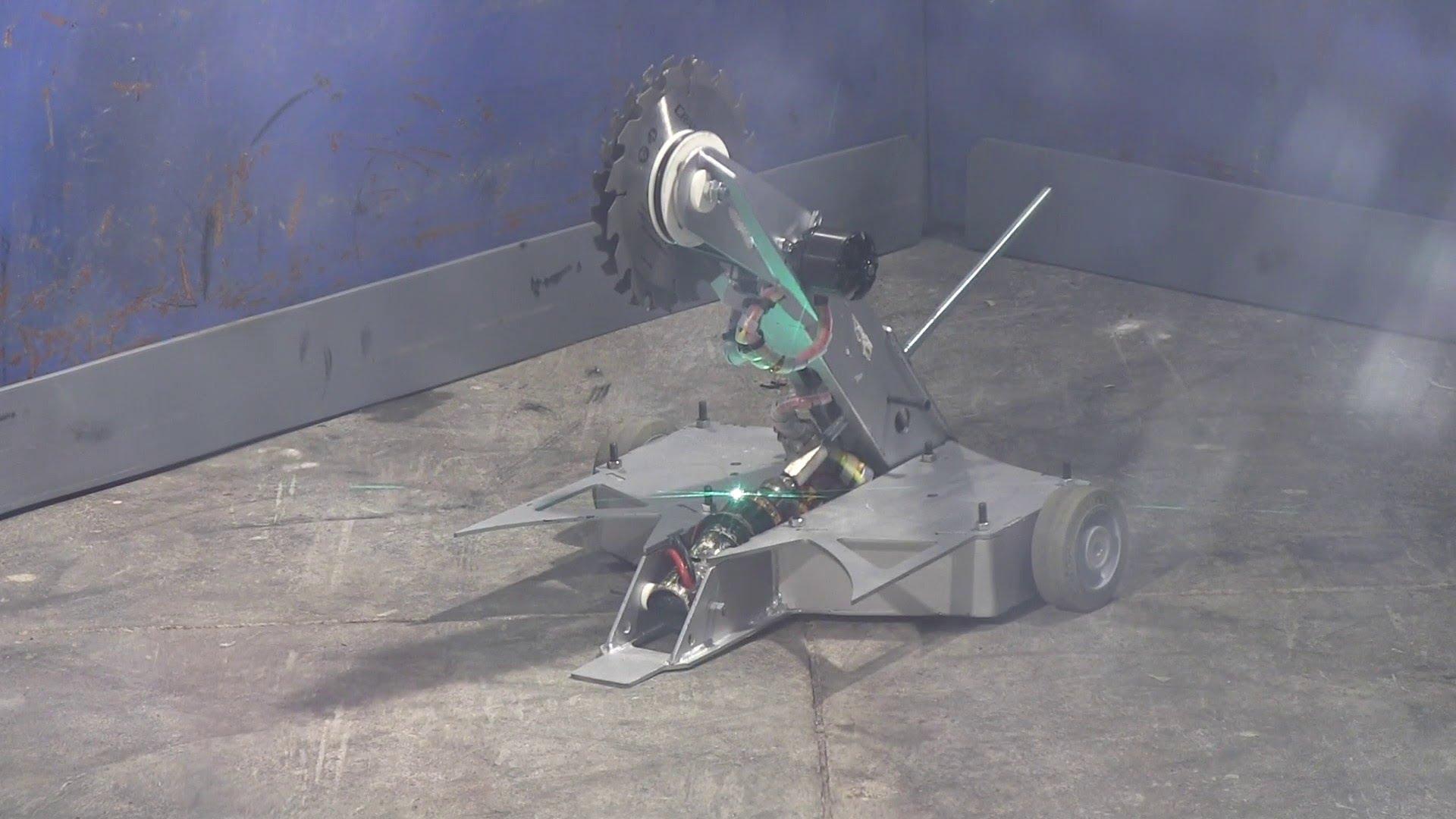 EEVblog #503 – RoboWars 2013