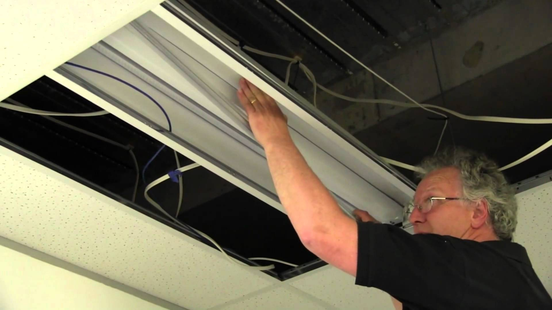 EEVblog #531 – LAB LED Fluoro Lighting Tube Replacement
