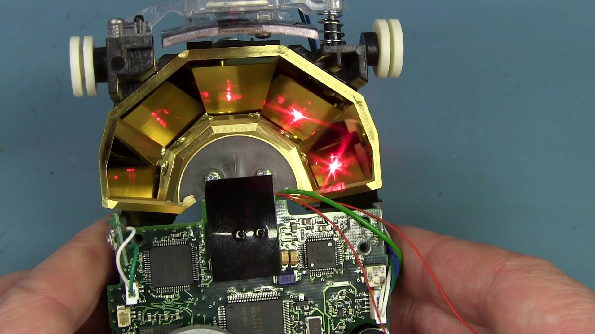 EEVblog #637 – Omni Directional Laser Barcode Scanner Teardown