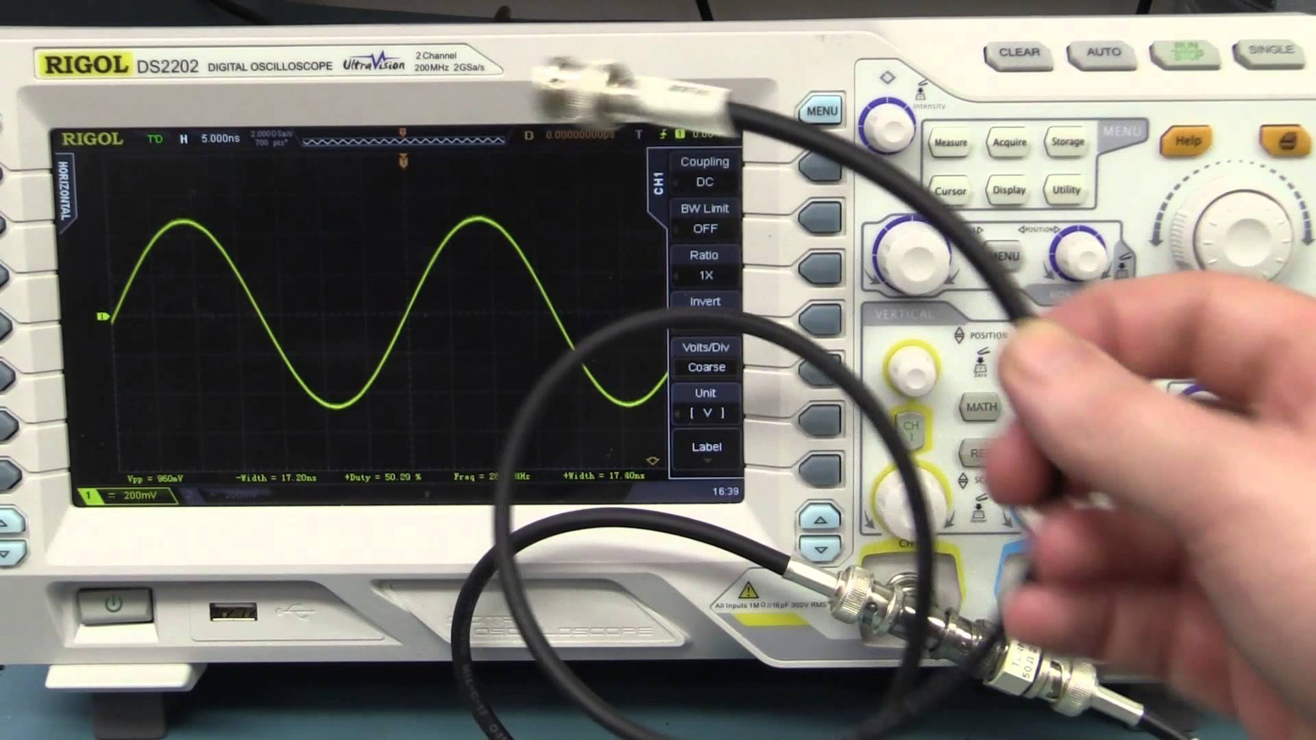 EEVblog #652 – Oscilloscope & Function Generator Measurement Trap