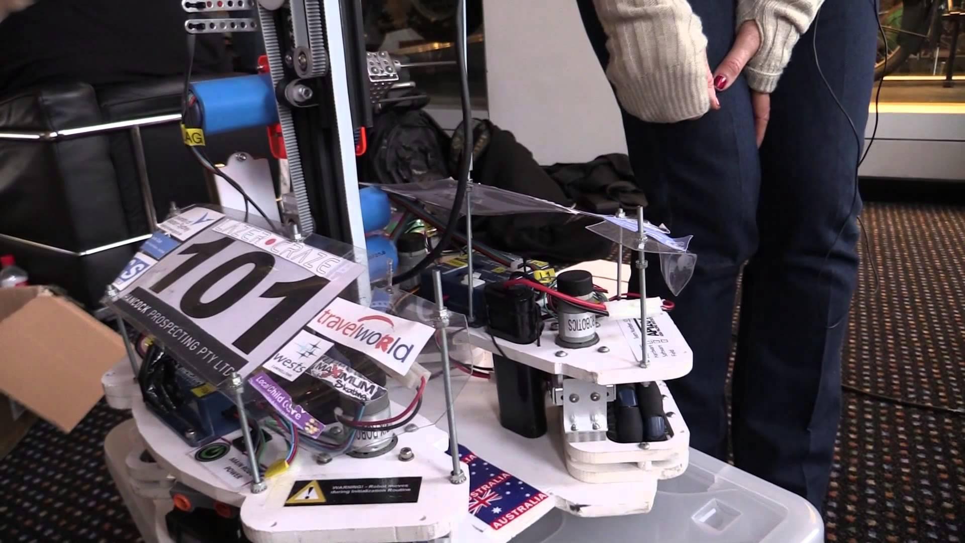 EEVblog #657 – Maker Faire 2014 Interviews