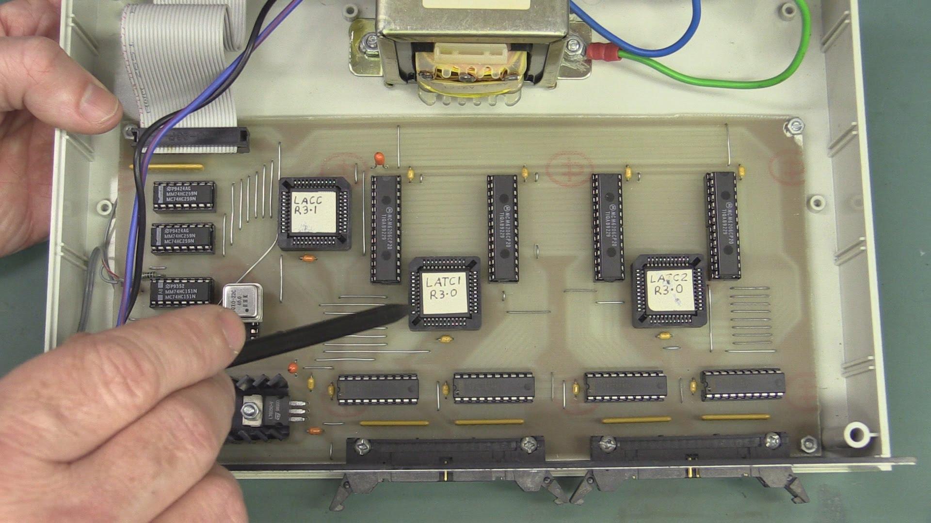 EEVblog #747 – PC Based Logic Analyser Project