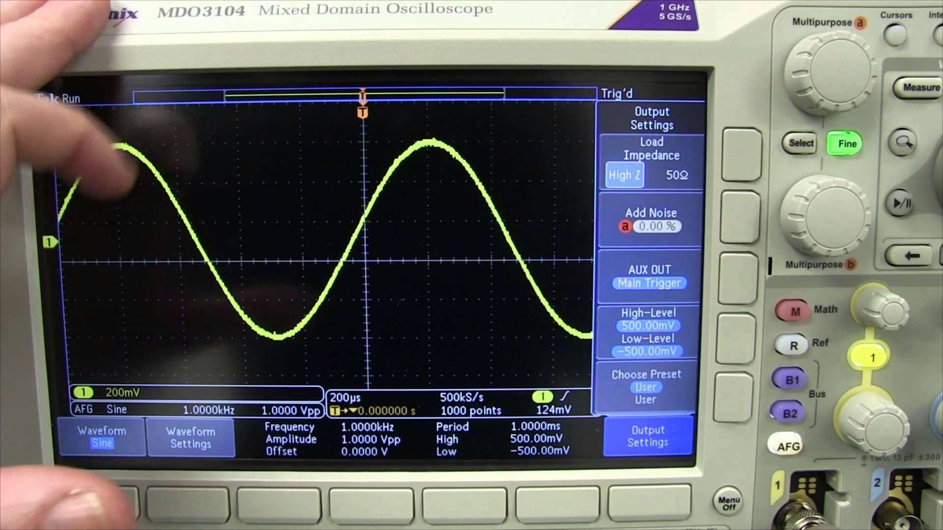 EEVblog #778 – Oscilloscope Vertical Confusion