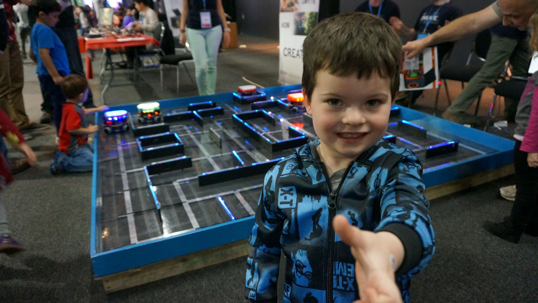 EEVblog #784 – Sydney Maker Faire 2015