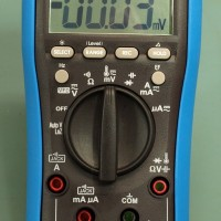 EEVblog BM235 Multimeter - Bloody ripper!